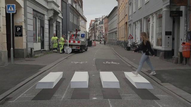 Intițiativă pentru a responsabiliza șoferii. O trecere inedită, amplasată într-un oraș din Danemarca