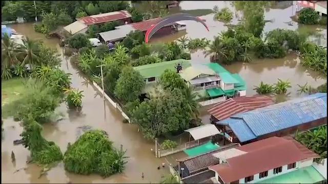 Dezastru în Thailanda. Peste 70.000 de case, sub ape în urma ploilor musonice abundente