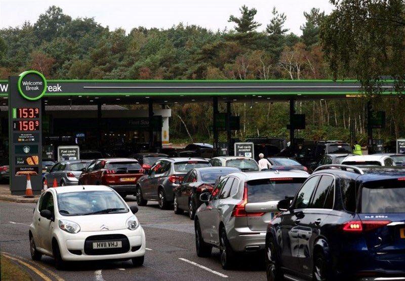 Penurie de carburanţi în Marea Britanie. Armata va asigura livrarea de combustibili către benzinării