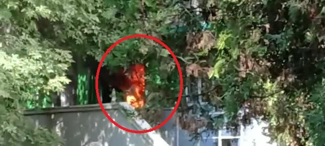 VIDEO șocant. Primele momente după izbucnirea incendiului din Constanța. Flăcările, uriașe