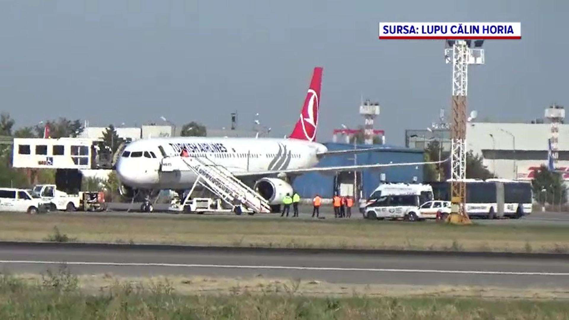 Un avion a aterizat de urgență pe Otopeni după ce unui pasager i s-a făcut rău