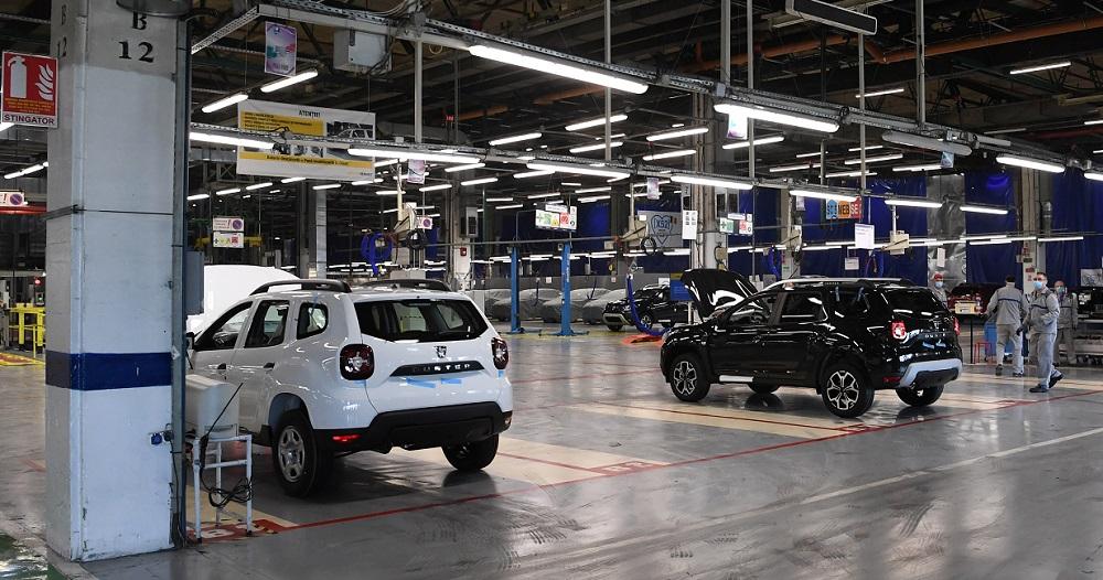 Criza componentelor electronice lovește din plin industria auto. Uzina Dacia își întrerupe din nou activitatea