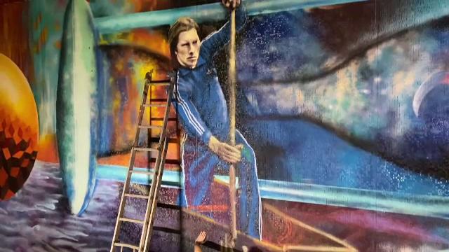 Un graffiti care îl înfăţişează pe Ivan Patzaichin a fost amplasat în staţia de metrou Ştefan cel Mare din Capitală