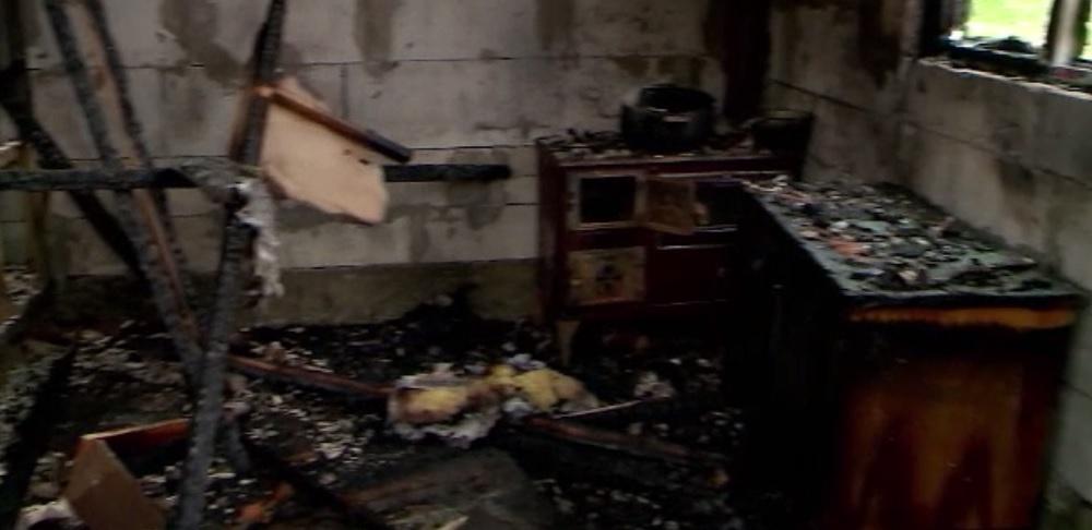 Individul care a incendiat casa partenerei sale și a celor patru copii ai acesteia a fost condamnat la ani grei de închisoare