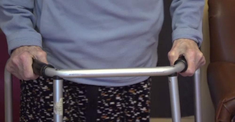 O bătrână de 94 de ani, răpusă de Covid-19, nu poate fi înmormântată. Motivul este incredibil