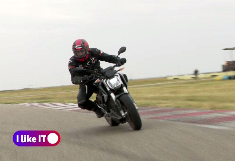 Scuterele și motocicletele electrice sunt din ce în ce mai căutate. Ce autonomie au și cât costă