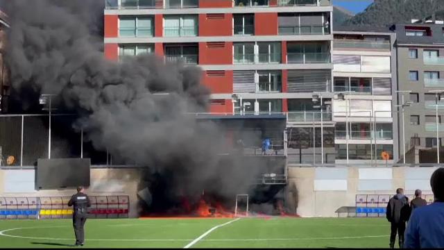 Incendiu pe stadionul din Andorra, înaintea meciului cu Anglia. Cum au încercat să stingă focul