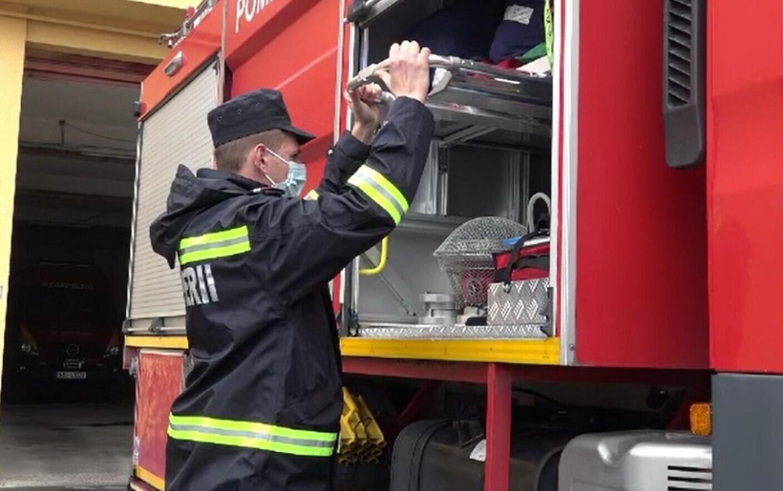 Explozie într-un apartament din Buzău. Două persoane au fost rănite
