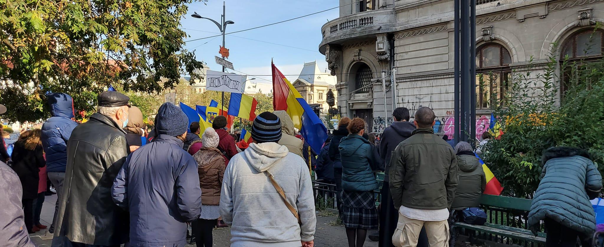 Protestatarii antivaccin au înfuriat reprezentanții Institutului Național pentru Studierea Holocaustului. Ce au făcut