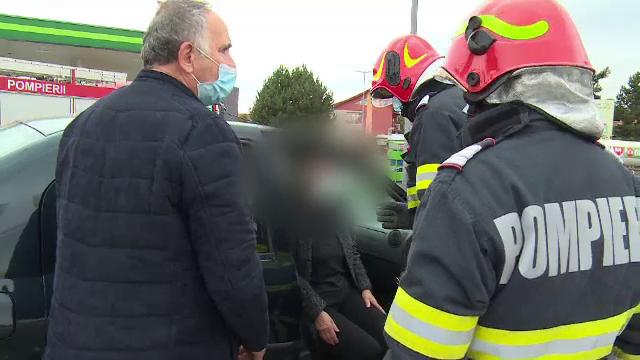 Accident pe un bulevard intens circulat din Pitești. O femeie, rănită din cauza inconștienței soțului