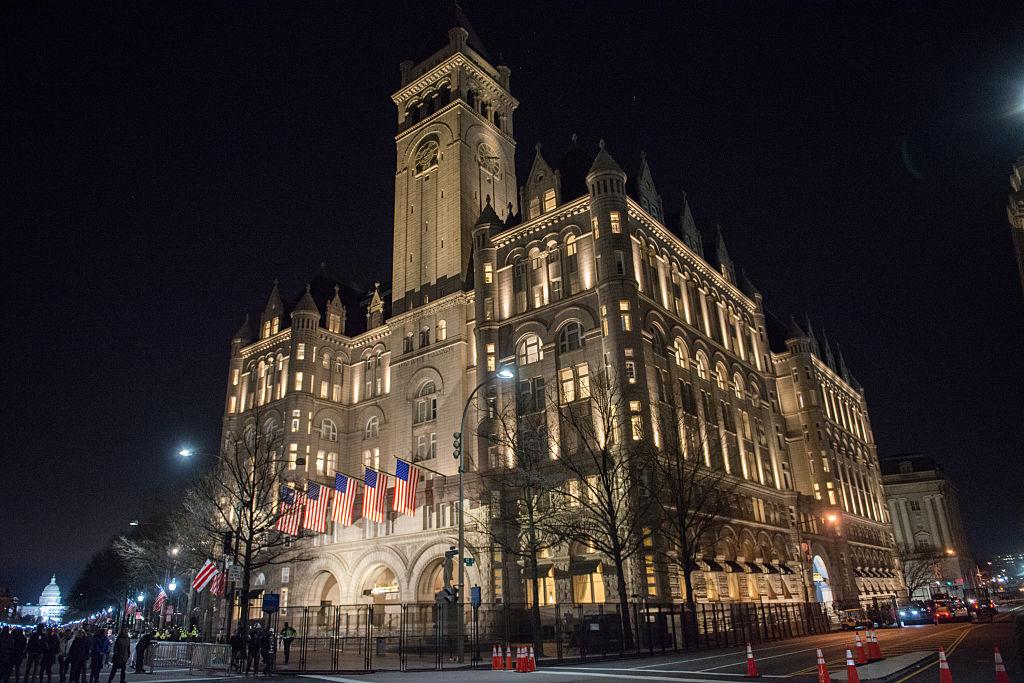 Donald Trump negociază vânzarea hotelului său de lux din Washington pentru o sumă colosală