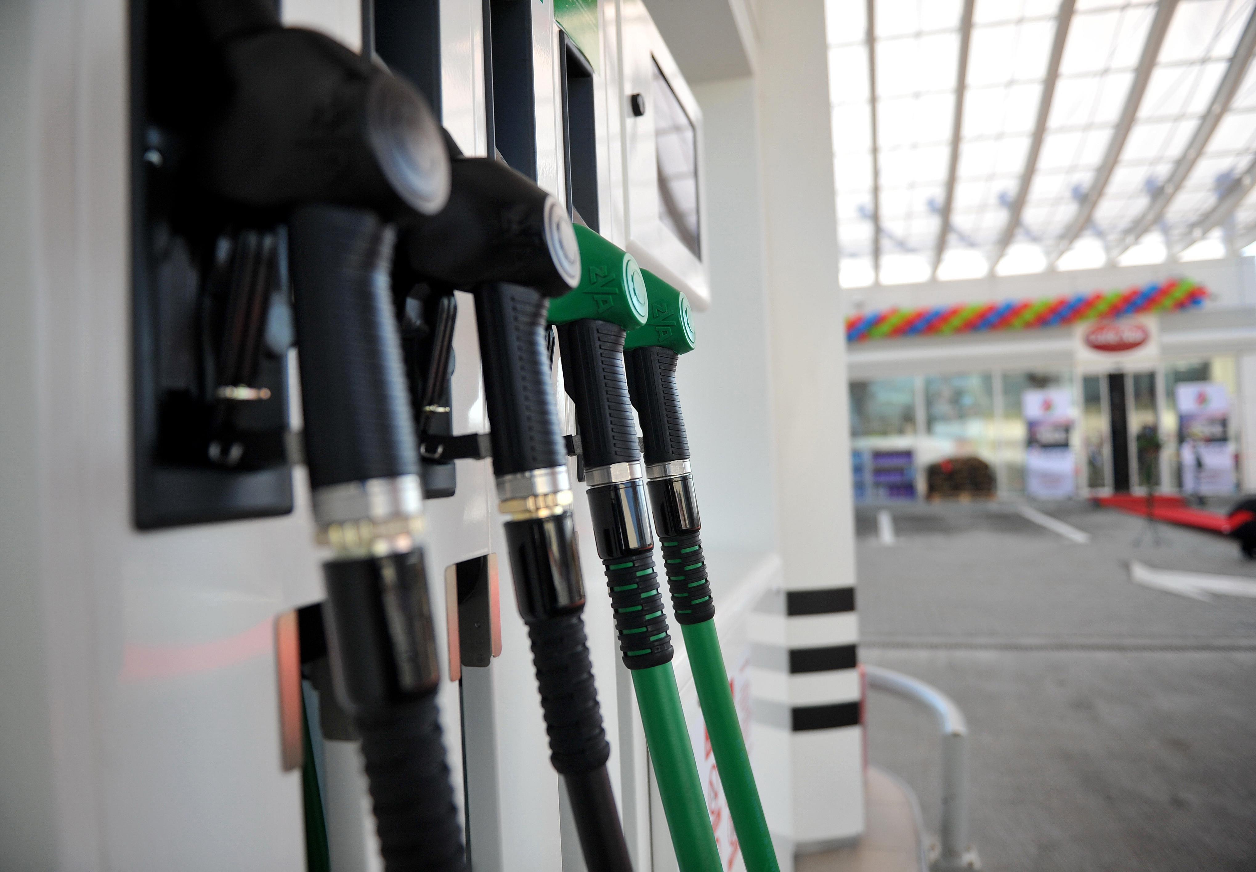 Țeapă online la Constanța: lista stațiilor peco care vând benzina cu 3 lei litrul, în semn de protest față de scumpiri