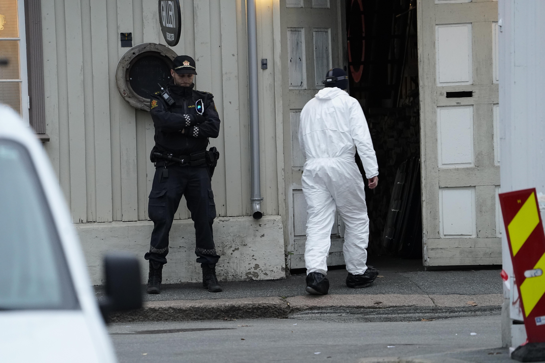 Filmul atacului din Norvegia. Agresorul a ucis cu arcul 4 femei şi un bărbat în câteva minute