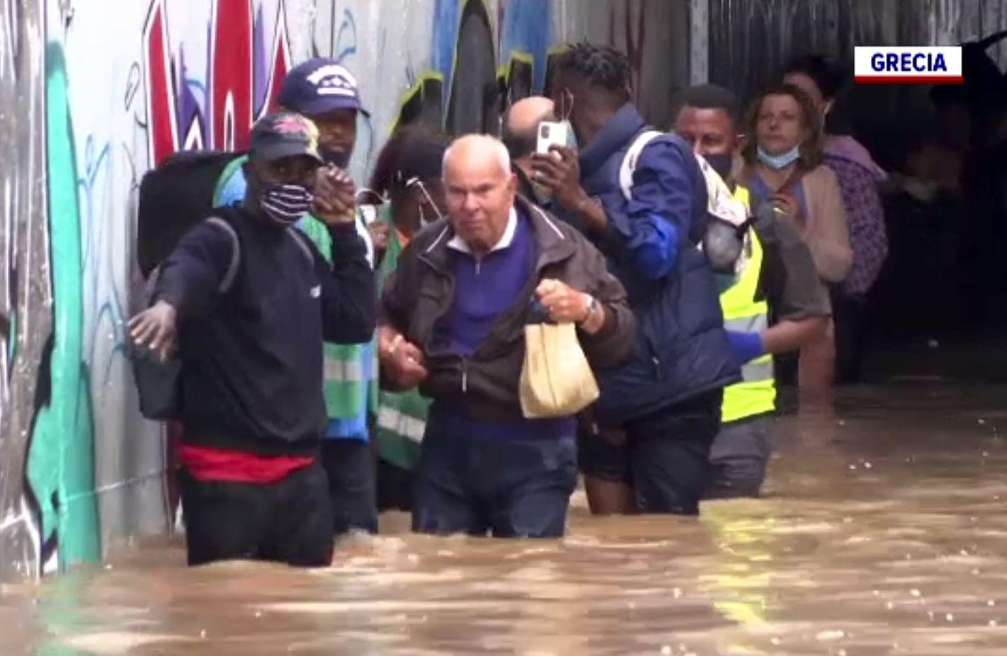 Inundații grave în Bulgaria, Grecia și Italia. S-a emis o avertizare de călătorie
