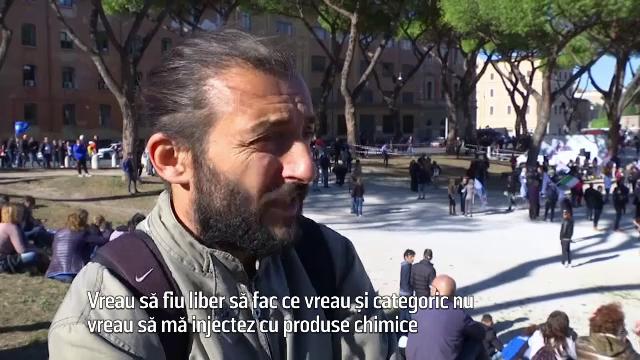 """Proteste în Italia, pentru că certificatul verde a devenit obligatoriu pentru toți angajații: """"Vreau să fiu liber"""""""