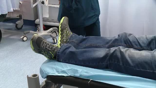 VIDEO. Scene incredibile într-un spital din România. Bărbat bătut de paznic în sala de așteptare