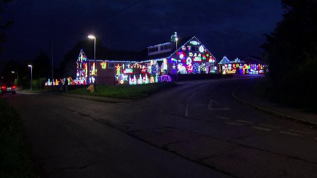 """Magia Crăciunului adusă în casa a doi soți înainte cu două luni: """"Toți vin și fac fotografii"""""""