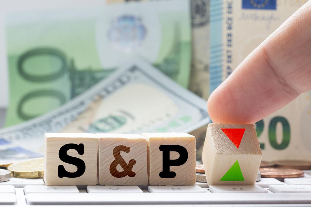 """S&P şi Moody's au reconfirmat ratingul României. Vîlceanu: """"Un semnal de încredere în politicile de consolidare fiscală"""""""