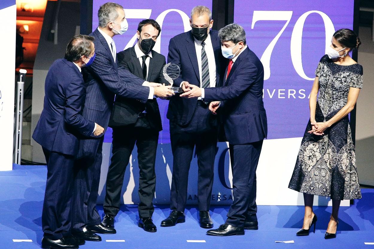 Scriitoarea spaniolă Carmen Mola, care tocmai a câștigat un premiul de un milion de euro, s-a dovedit a fi trei bărbați