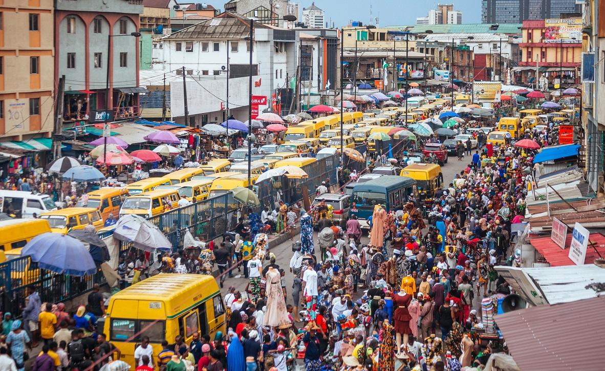 Atac sângeros într-o piață din Nigeria. Zeci de oameni au fost uciși