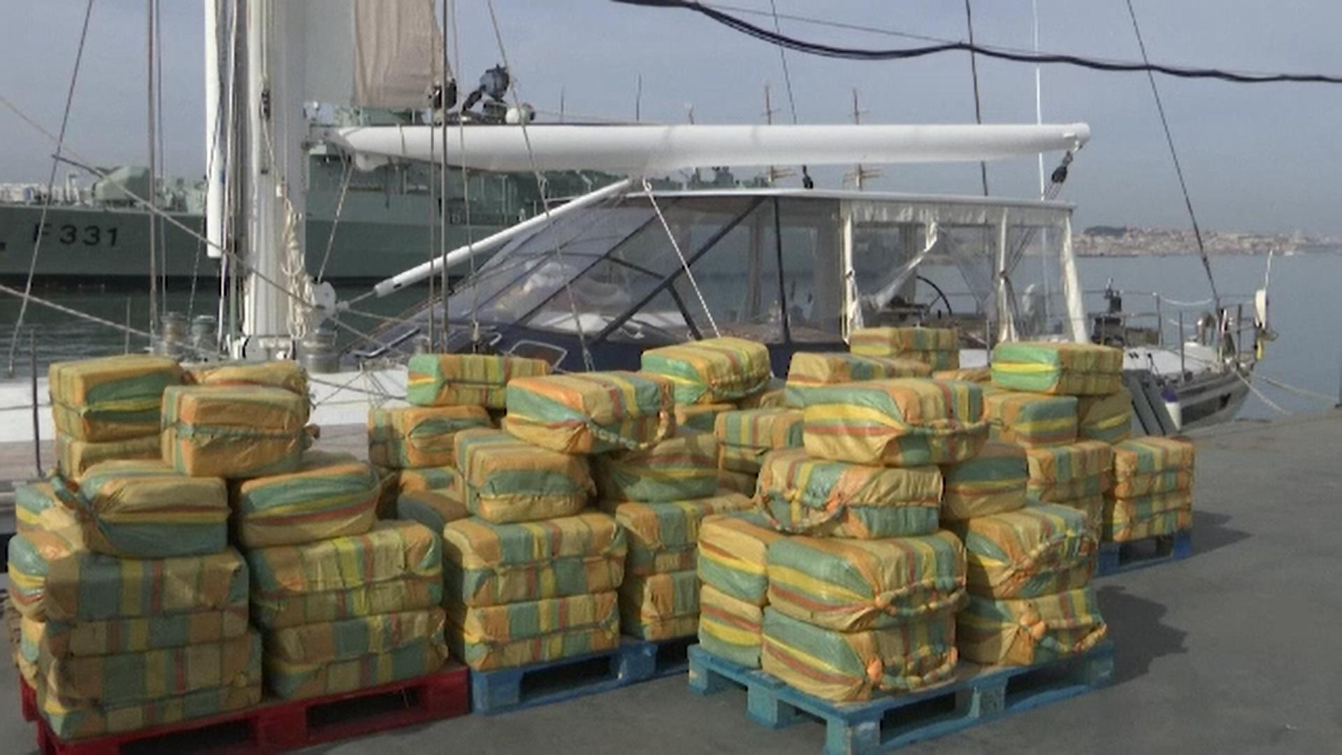 Peste cinci tone de cocaină au fost găsite pe un iaht în largul coastelor portugheze
