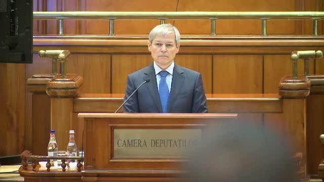 """Cioloș: """"Să ținem un moment de reculegere pentru cei peste 40 de români care au murit de Covid"""""""