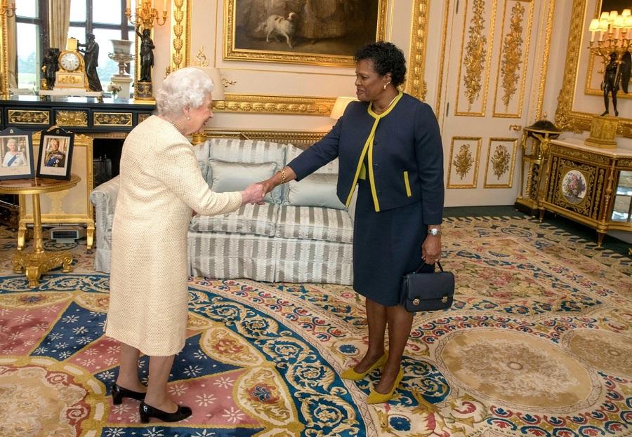 Barbados și-a ales primul președinte din istorie, după ce regina Elisabeta a II-a a fost înlăturată de la conducerea statului