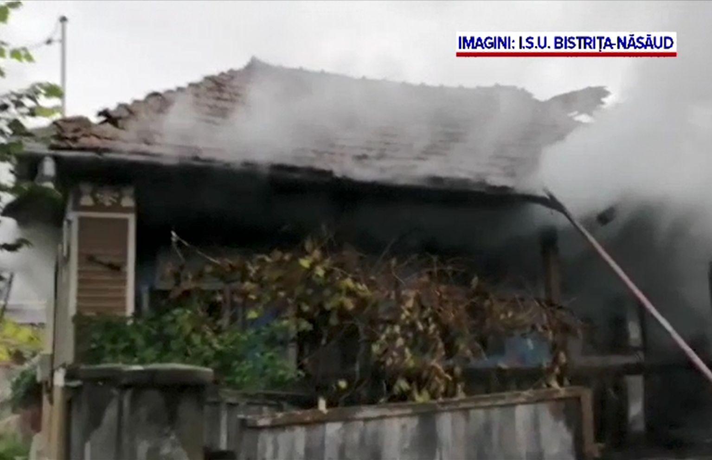O bătrână a murit mistuită de flăcări în casă. Ajunsese până în fața ușii