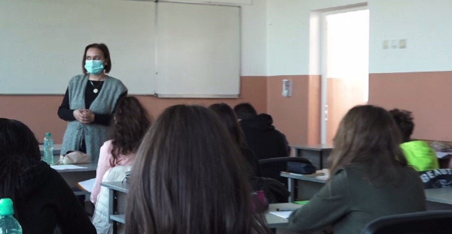 Scade interesul pentru limba engleză? Tot mai mulți elevi din România au început să învețe chineza