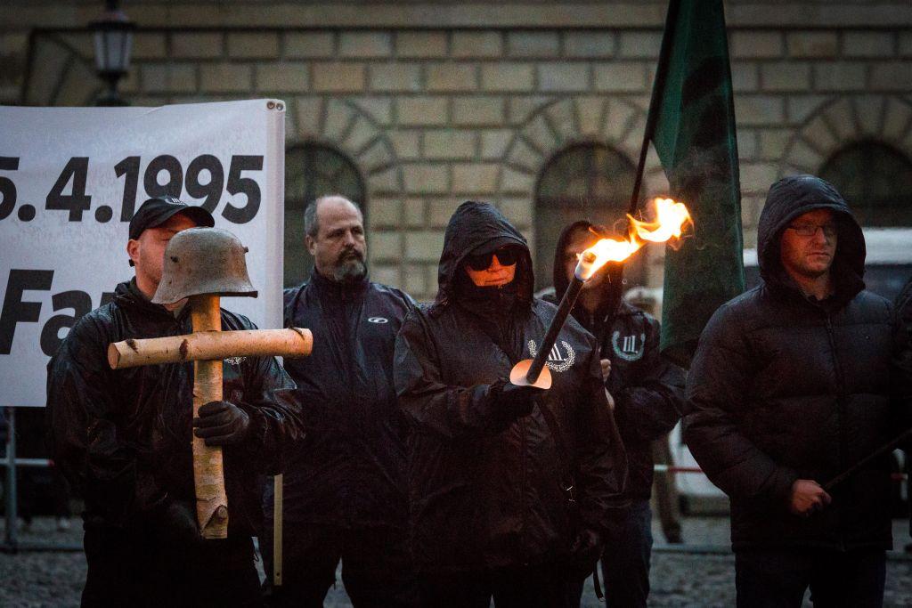 Poliția germană a oprit zeci de naziști înarmați să patruleze la frontiera cu Polonia
