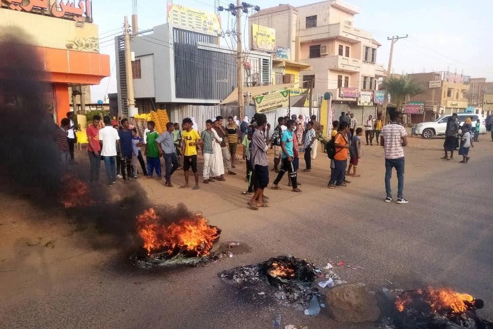 Lovitură de stat în Sudan. Premierul Abdallah Hamdok, arestat de forţe armate