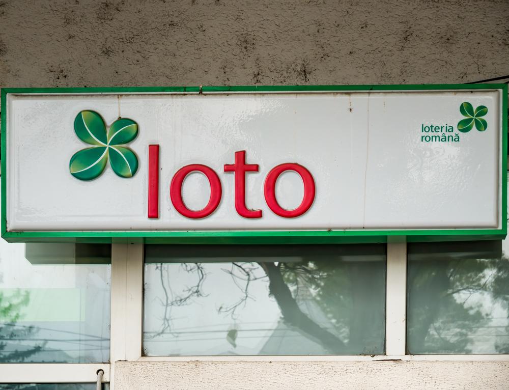 Reacția câștigătorului marelui premiu la Loto 6/49 după ce și-a ridicat banii - 1,55 milioane de euro