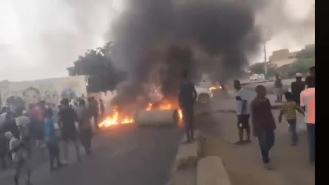 Trei persoane ucise şi 80 rănite de armată în timpul manifestaţiilor împotriva loviturii de stat din Sudan