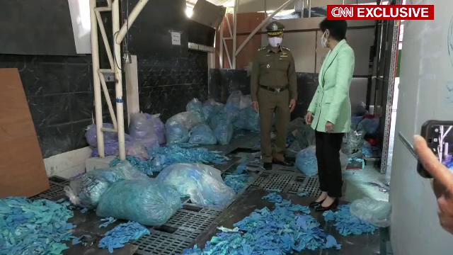"""SUA au importat zeci de milioane de mănuși medicale folosite din Asia. O parte ar fi ajuns în spitale: """"Aveau pete de sânge"""""""