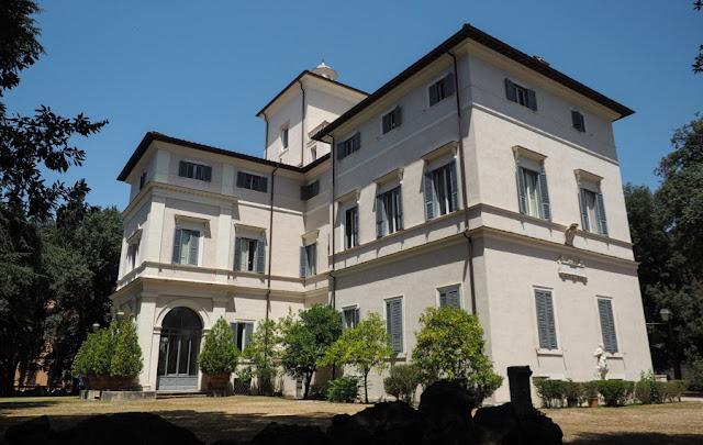 O vilă din Roma a fost scoasă la vânzare pentru 500.000.000 de euro. Ce o face specială