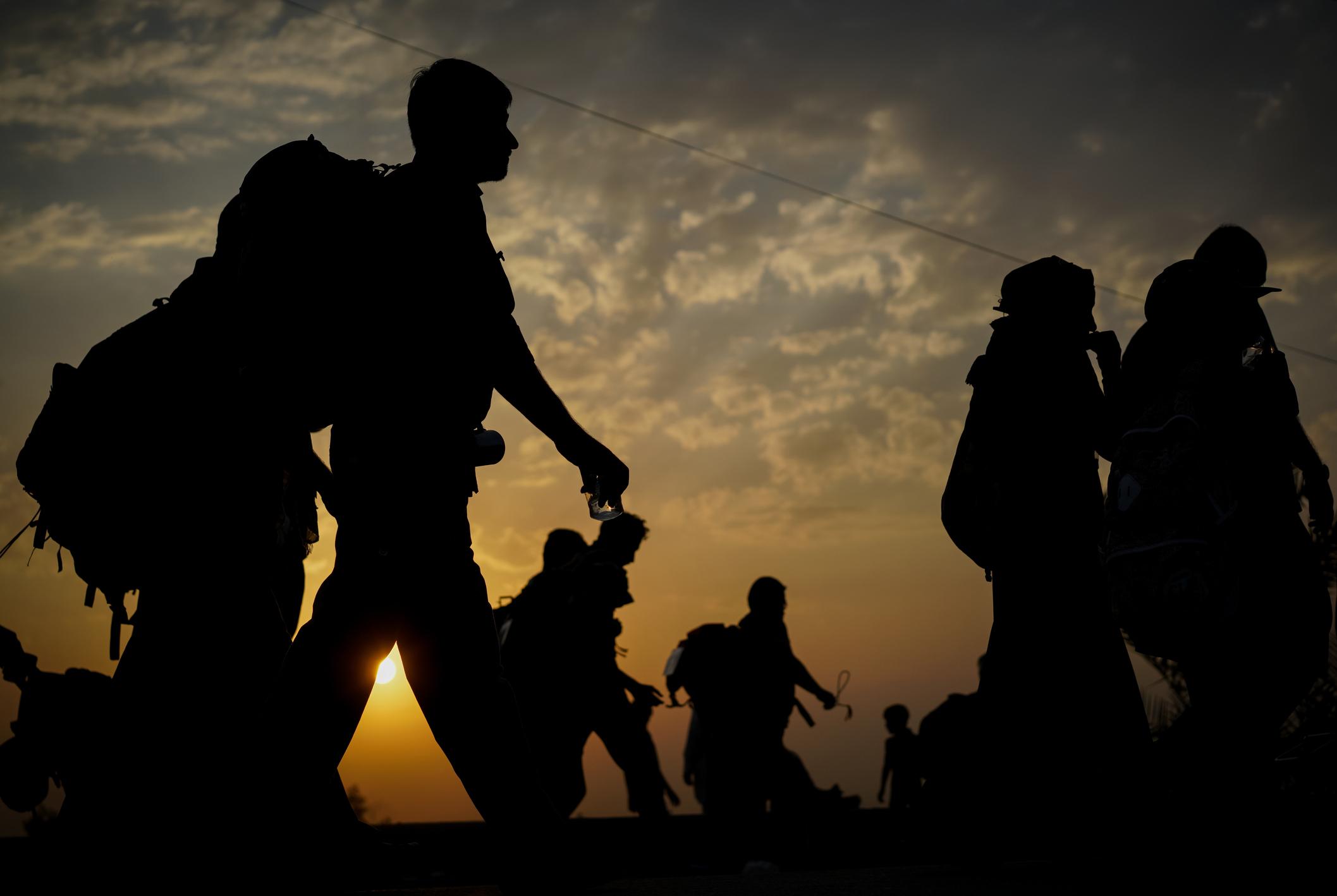 Ministrul de Externe maghiar: Migranții aruncă la gunoi legile noastre și vor să ne impună agresiv stilul lor de viață