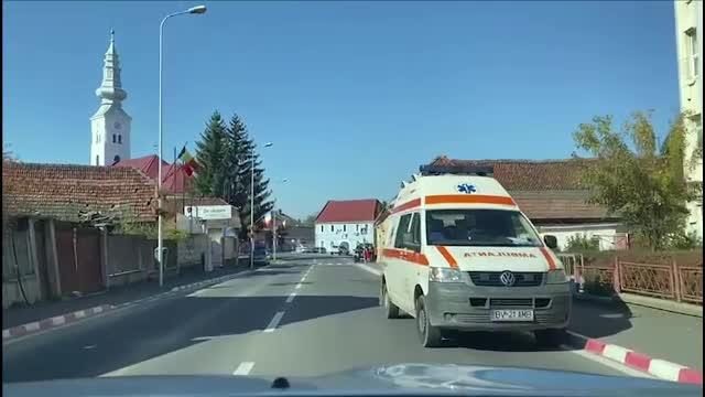 Un bărbat și-a înjunghiat soția pentru că îl părăsise. A urmărit-o și a atacat-o pe stradă
