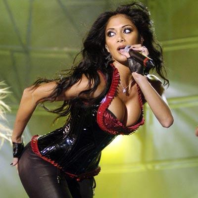Nicole Scherzinger trece pe rock!