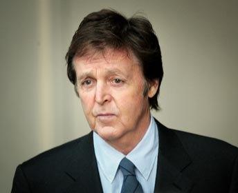Cadavrul decapitat al unei femei, victima unui criminal in serie,gasit langa casa lui Paul McCartney