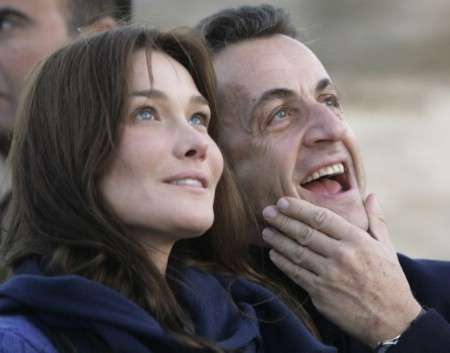 Carla Bruni si Nicolas Sarkozy au gasit un nume pentru fetita lor