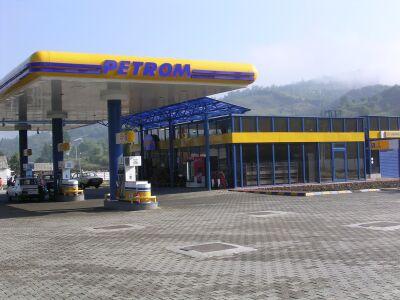 Petrom ieftineste benzina pentru a treia oara in sapte zile. Prima ieftinire si pentru motorina
