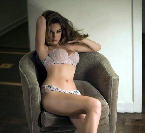 Cheryl Cole, desemnata femeia anului 2010