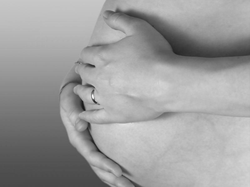 Medicii au tinut o femeie in moarte cerebrala timp de o luna pentru a-i putea salva gemenii