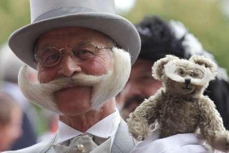 Cine are cea mai frumoasa mustata? Un barbat din San Francisco