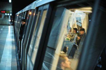 Tentativa de suicid la metrou. Femeia s-a ales cu un traumatism cranian