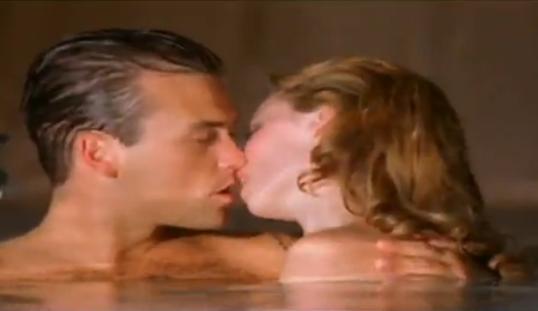 Penibil!Robbie Williams in hohote de ras la vederea lui Kylie Minogue goala