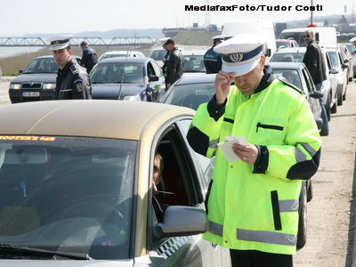 Razii in trafic de sarbatori! Politistii vor sa amendeze orice abatere