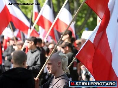 Ciocniri violente la Dortmund, intre politisti si neo-nazisti. Zeci de persoane au fost arestate