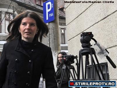 Monica Iacob-Ridzi a venit, pentru prima data, in fata judecatorilor. Procesul a fost amanat