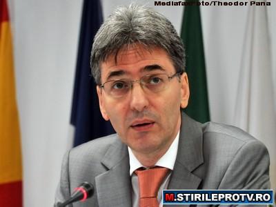 Udrea: Ministerul Fondurilor Europene apare in octombrie si va fi condus probabil de Leonard Orban